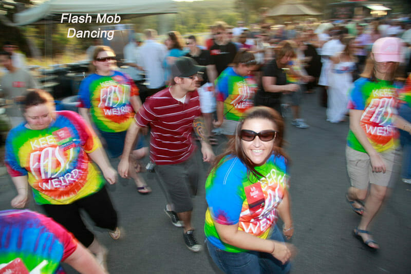 Event Photography of Flash Mob in action dancing | proimagesphoto.com