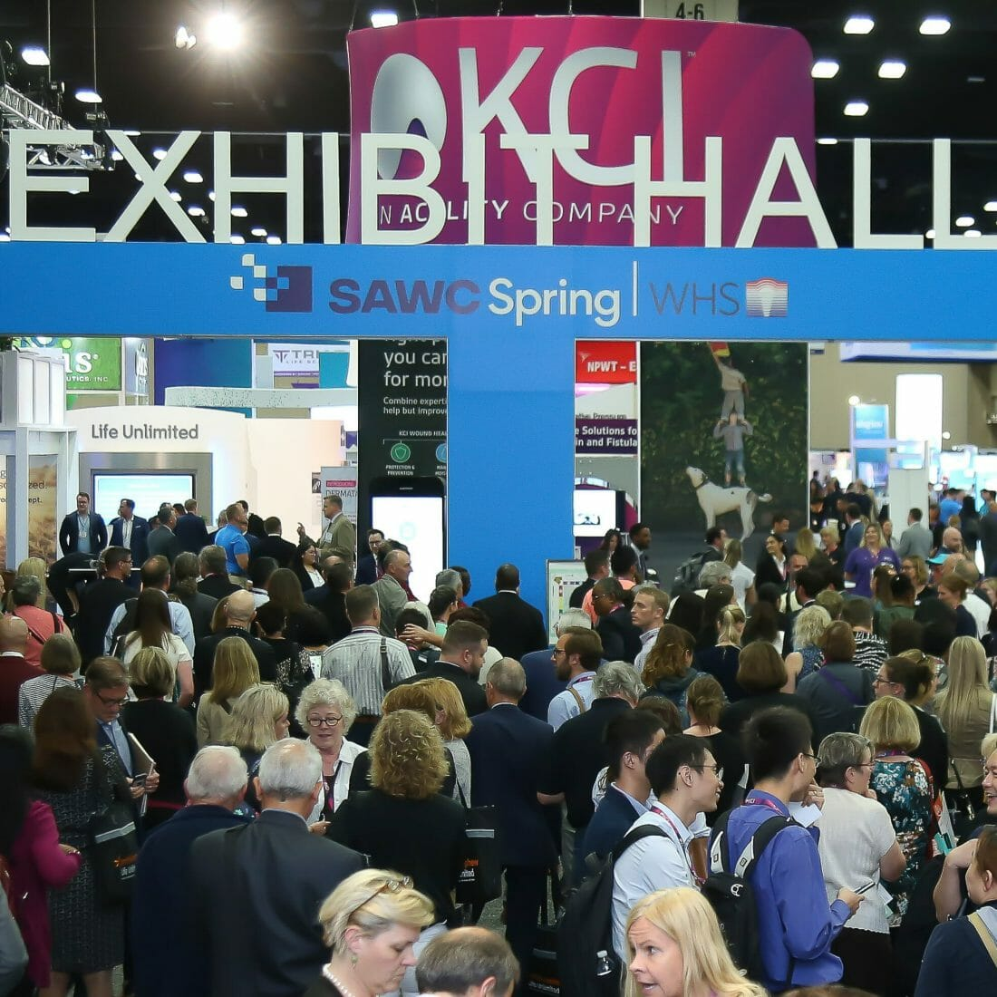 San Antonio Tradeshow photography of Attendees waiting for Tradeshow floor to open. COVID-19 at Meetings and Conventions for 2021 will it bring back the Meetings and Tradeshow Industry and get us back in business?