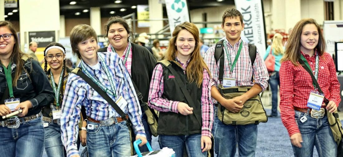 Tradeshow Photography of students attending Exhibits